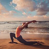 3 طرق إبداعية لممارسة اليوغا