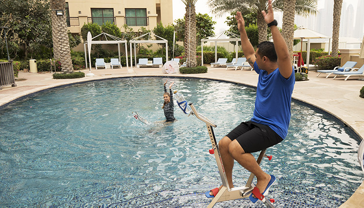 aqua spin pool