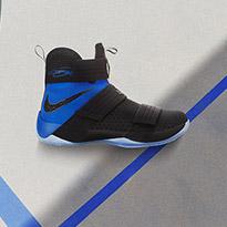 ها قد وصل حذاء ليبرون سولدجر 10 اس اف جي من نايك