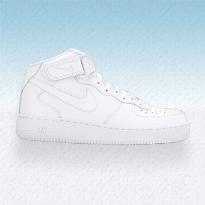 أفضل 5 احذية سنيكرز بيضاء لهذا الصيف
