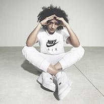 جديدنا من نايك: تشكيلة احذية سنيكرز باللون الأبيض
